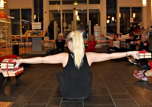 Bøker gir deg styrke! Boktrim i Arendal bibliotek 26. januar 2012.